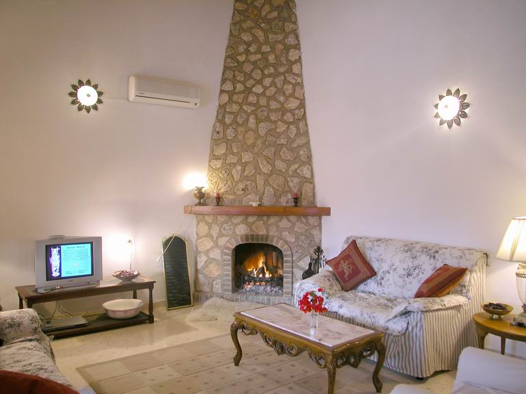 Calpe spanish villa for rent pool interior for Spanish villa interior design